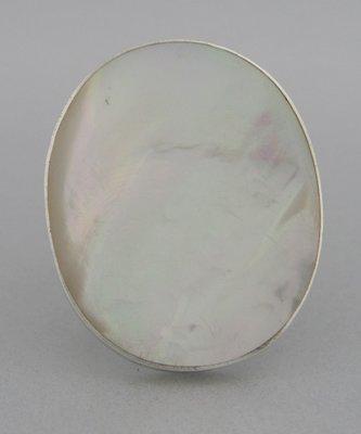 Zilveren Ring Parelmoer wit rond