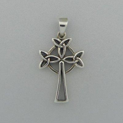 Zilveren Hanger Kruis met  Keltische knopen