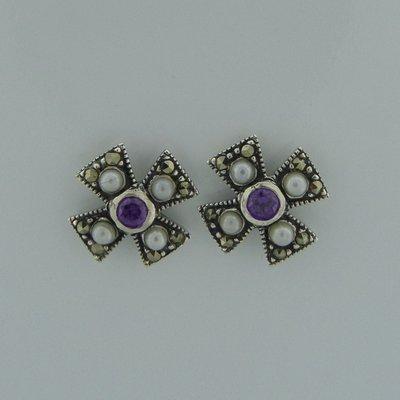 Zilveren Oorstekers Maltezer kruis met markasietjes