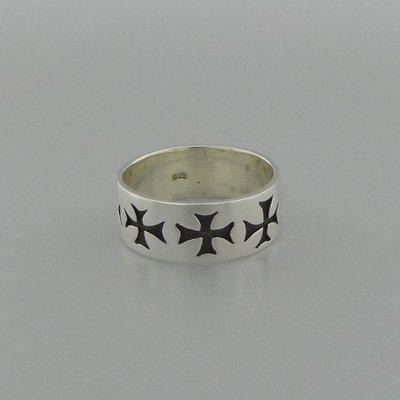 Zilveren Ring Maltezer Kruis