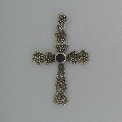 Zilveren Hanger Kruis met markasietjes en granaat steentje
