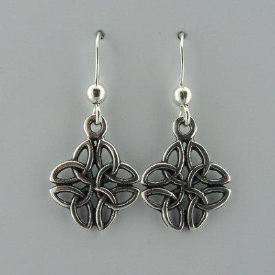 Zilveren Oorbel Keltisch Triquetra