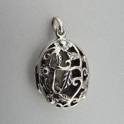 Zilveren Hanger Medallion Ovaal  Open bewerkt Bloemen en Blaadjes