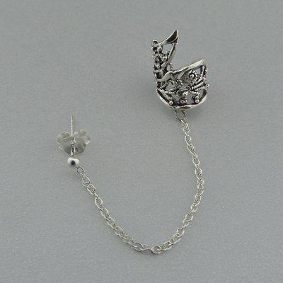Zilveren Oorklemmetje bewerkt met ketting en stekertje