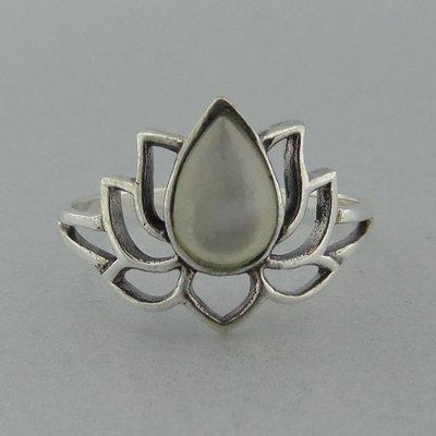 Zilveren Ring Lotus met Parelmoer Wit