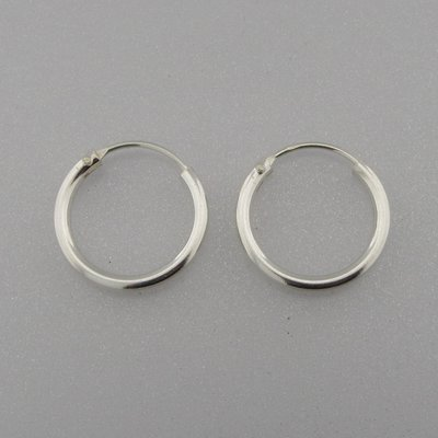 Zilveren Oorring 16 mm x 2 mm