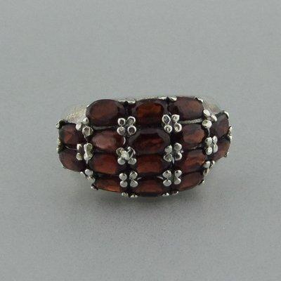 Zilveren Ring Granaat steentjes