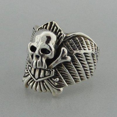 Zilveren Ring Doodshoofd op Vleugel