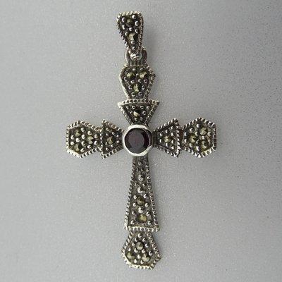 Zilveren Hanger  Kruis met Granaat en Markasiet steentjes