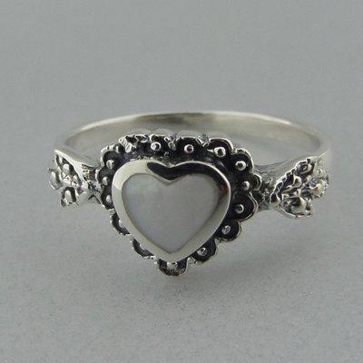 Zilveren Ring Hartje Parelmoer Wit
