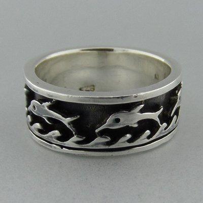 Zilveren Band Ring met Dolfijnen