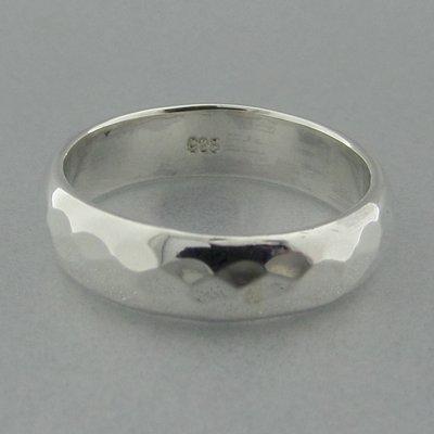 Zilveren Ring Glad Gehamerd