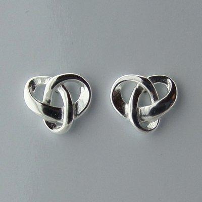 Zilveren Oorstekers Keltische Triquetra