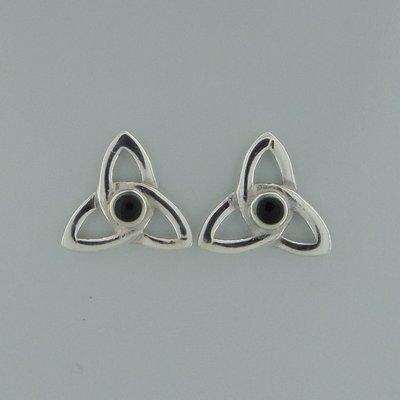 Zilveren Oorstekers Keltische Triquetra met onyx