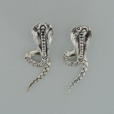 Zilveren Oorstekers Cobra