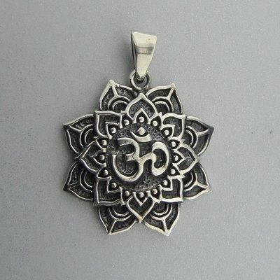 Zilveren Hanger Ohm in Lotus Bloem